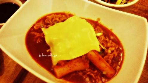 Rapokki (ramyun + deokbokki) w/ cheese
